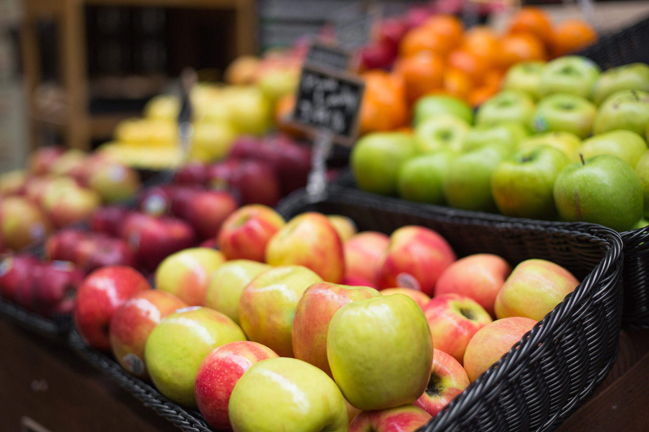 Apples on Farmers Market Free Stock Photo