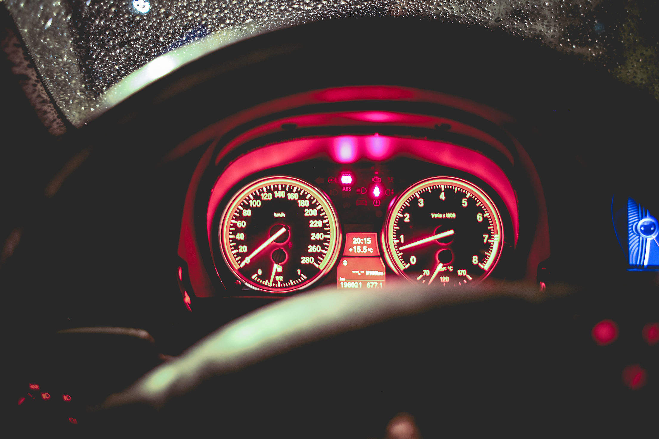 Benzine Car Speed'O'Meter Free Stock Photo