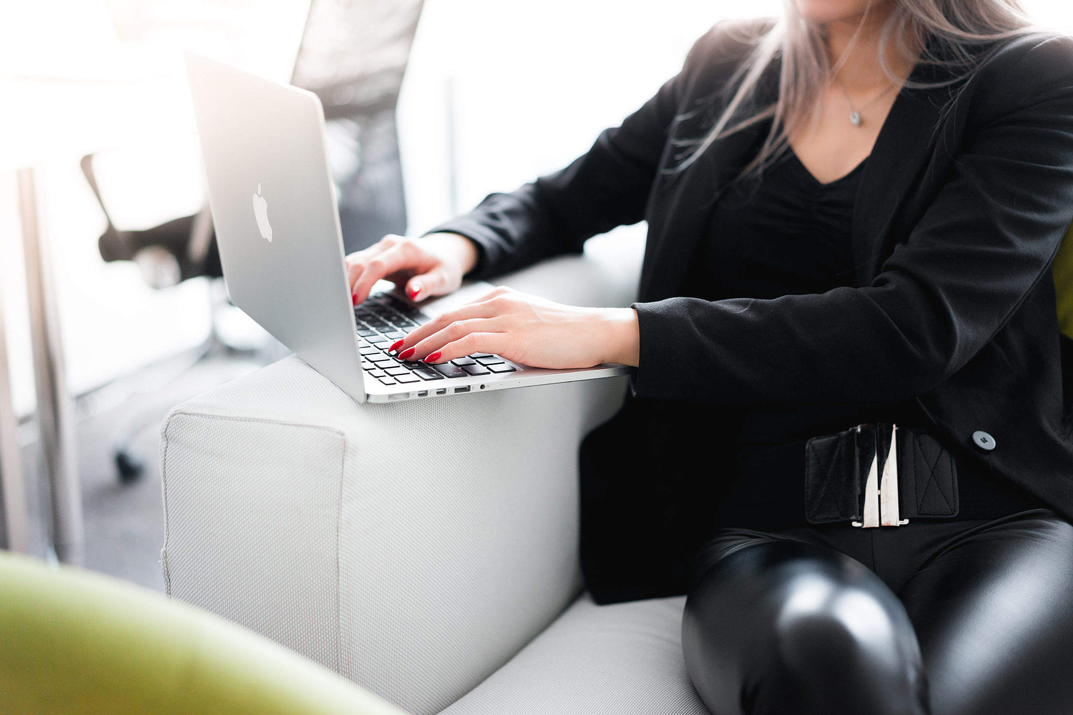 Business Woman Working on Her Laptop Free Stock Photo