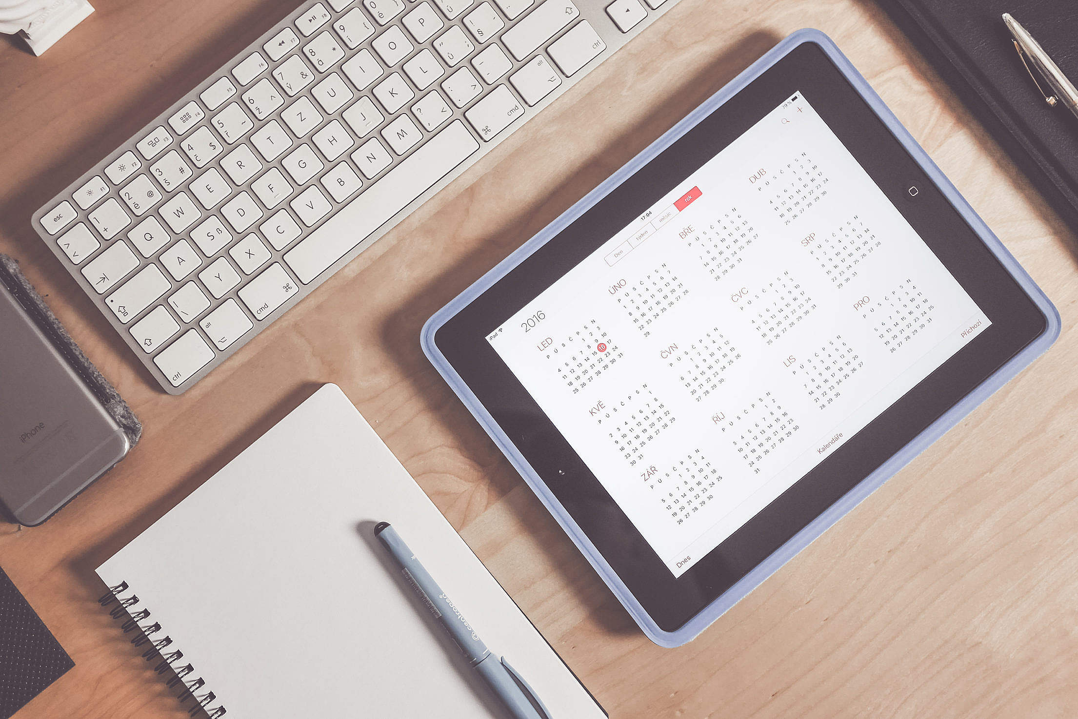 Calendar.app: Business Time Management Workspace Free Stock Photo