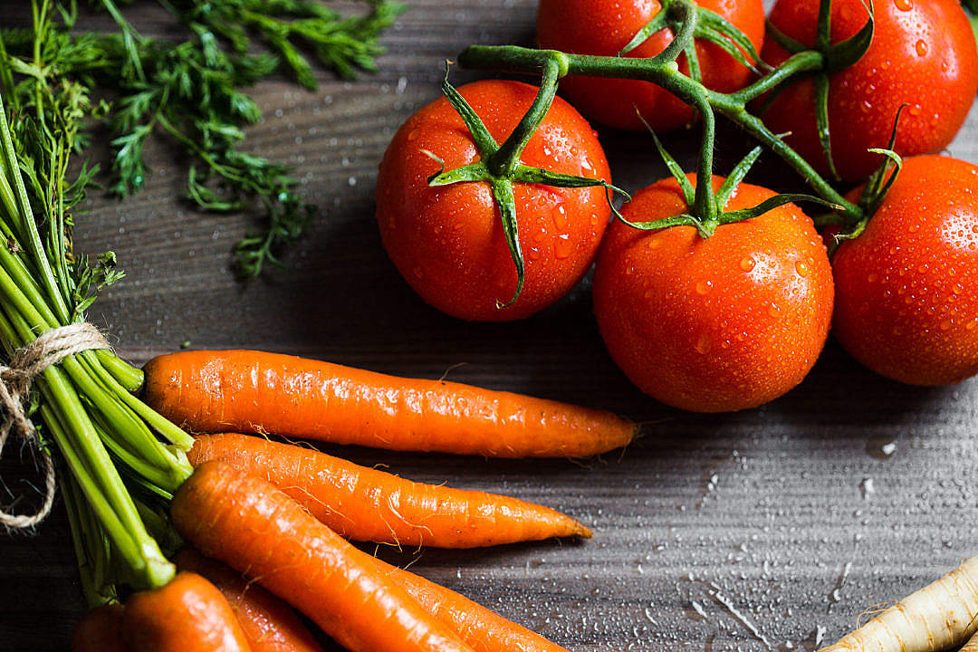 Download Carrots and Tomatoes Close Up FREE Stock Photo