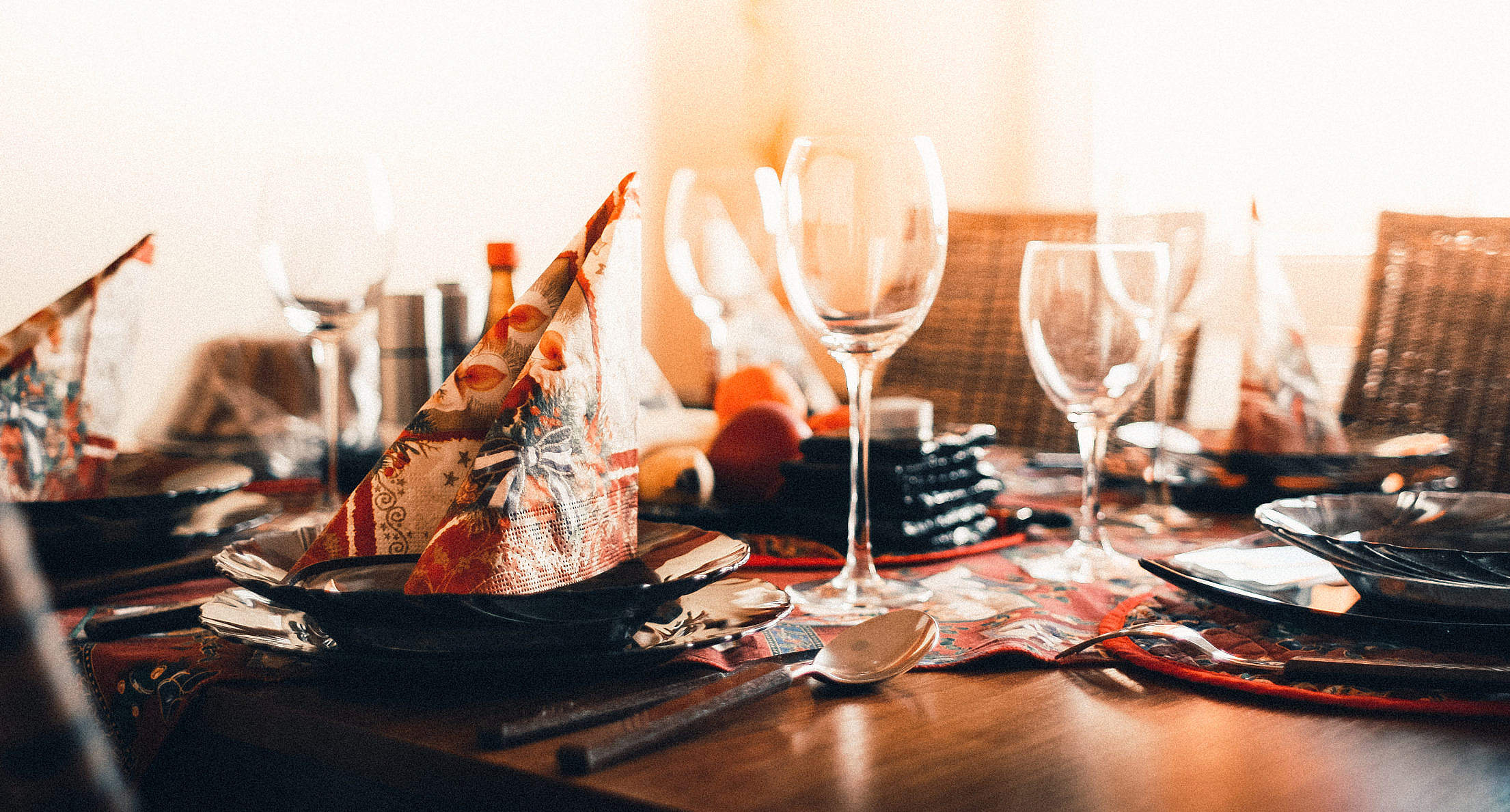 Christmas Dinner Table Setting Free Stock Photo
