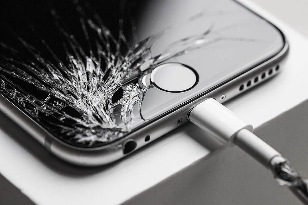 Download Crashed iPhone 6 with Cracked Screen Display FREE Stock Photo