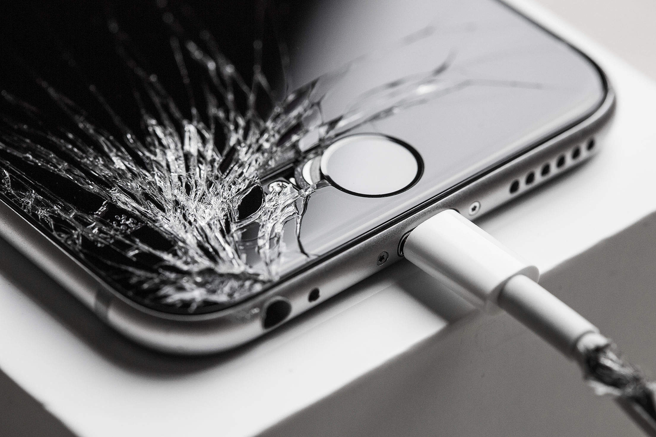 Crashed iPhone 6 with Cracked Screen Display Free Stock Photo