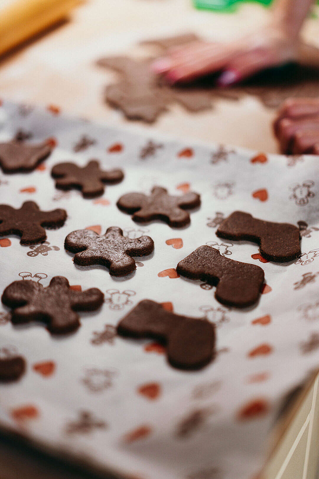 Download Cutting Christmas Gingerbread FREE Stock Photo