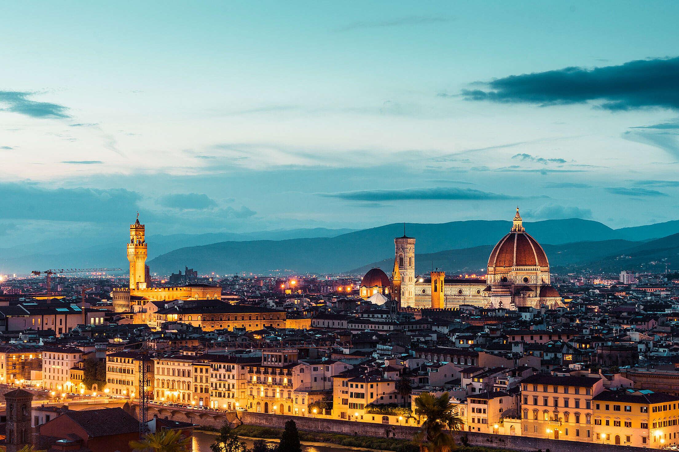 Duomo S. Maria del Fiore and Palazzo Vecchio in the Evening (Florence, Italy) Free Stock Photo