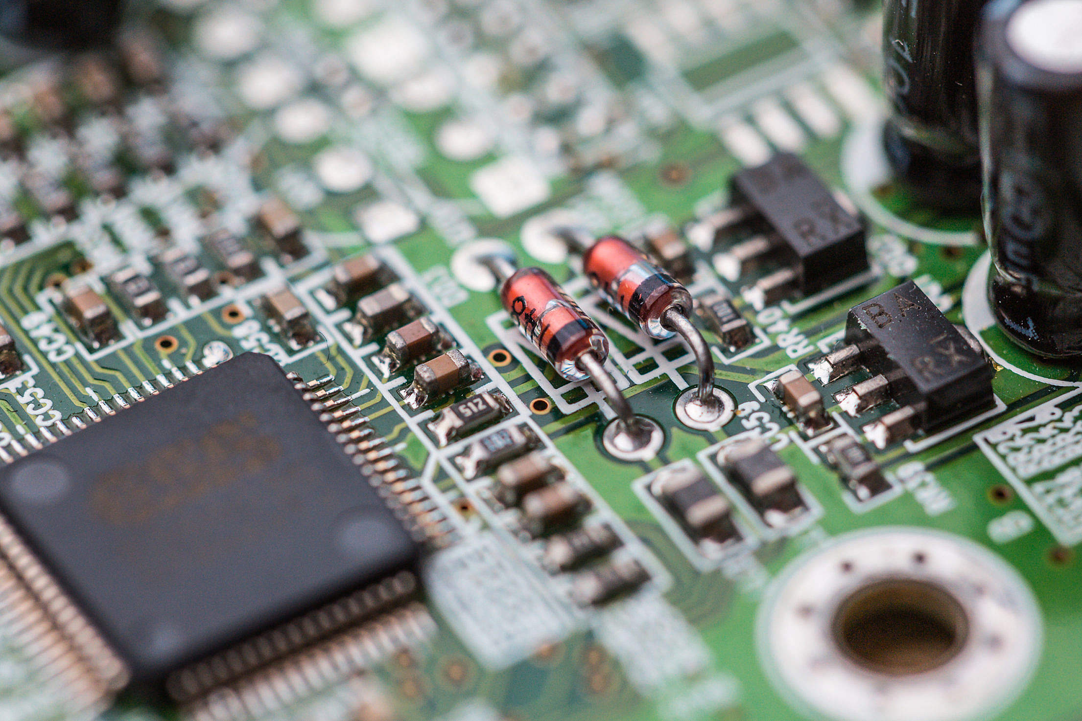 Electronics Chip Board Hardware Close Up Free Stock Photo