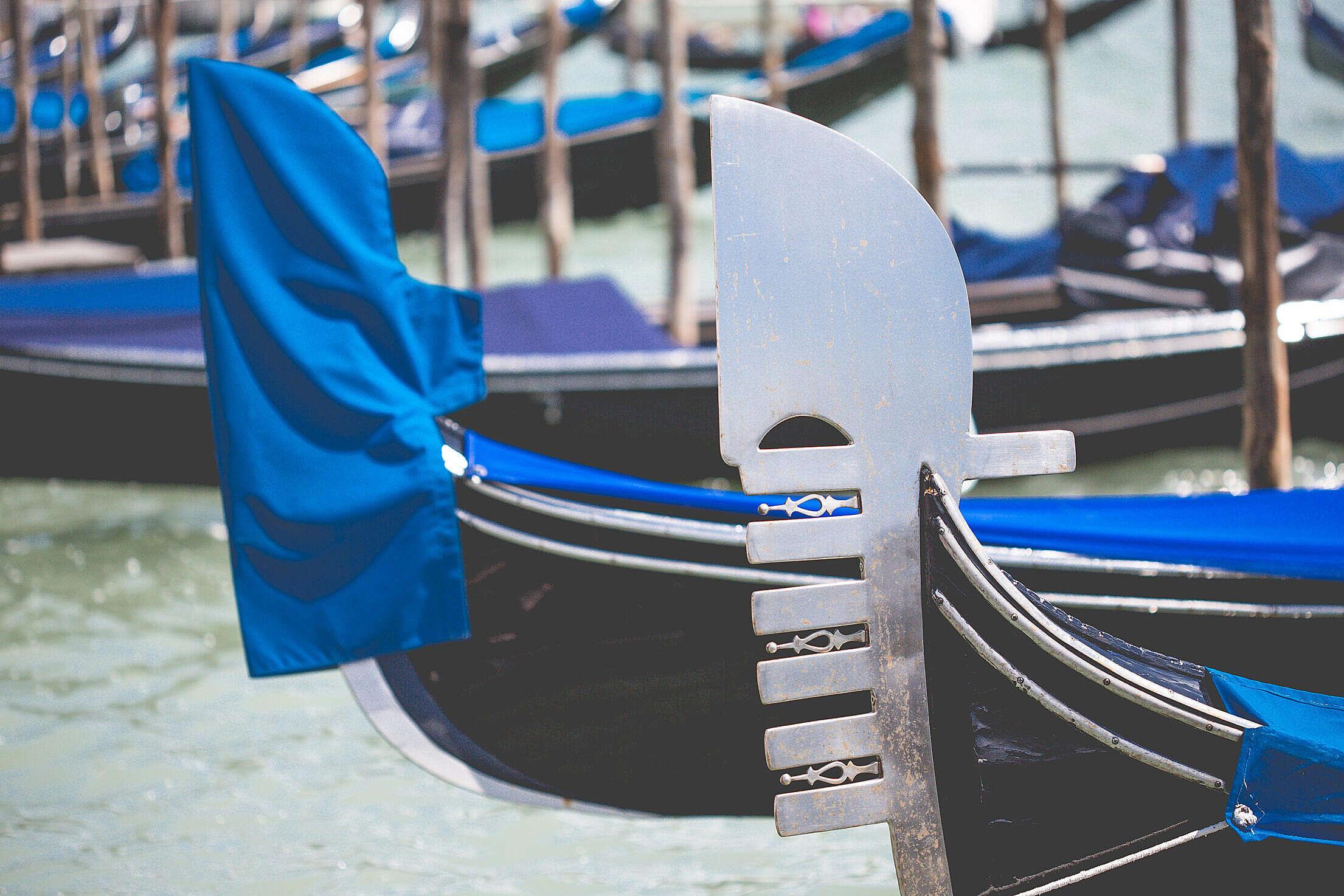 Ferro — Gondola Bow Ornament Free Stock Photo