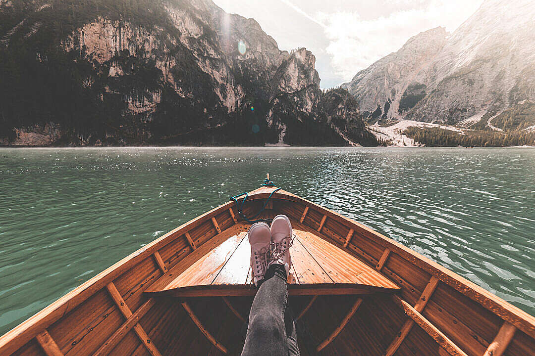 Download FPV Woman Legs on a Rowing Boat FREE Stock Photo