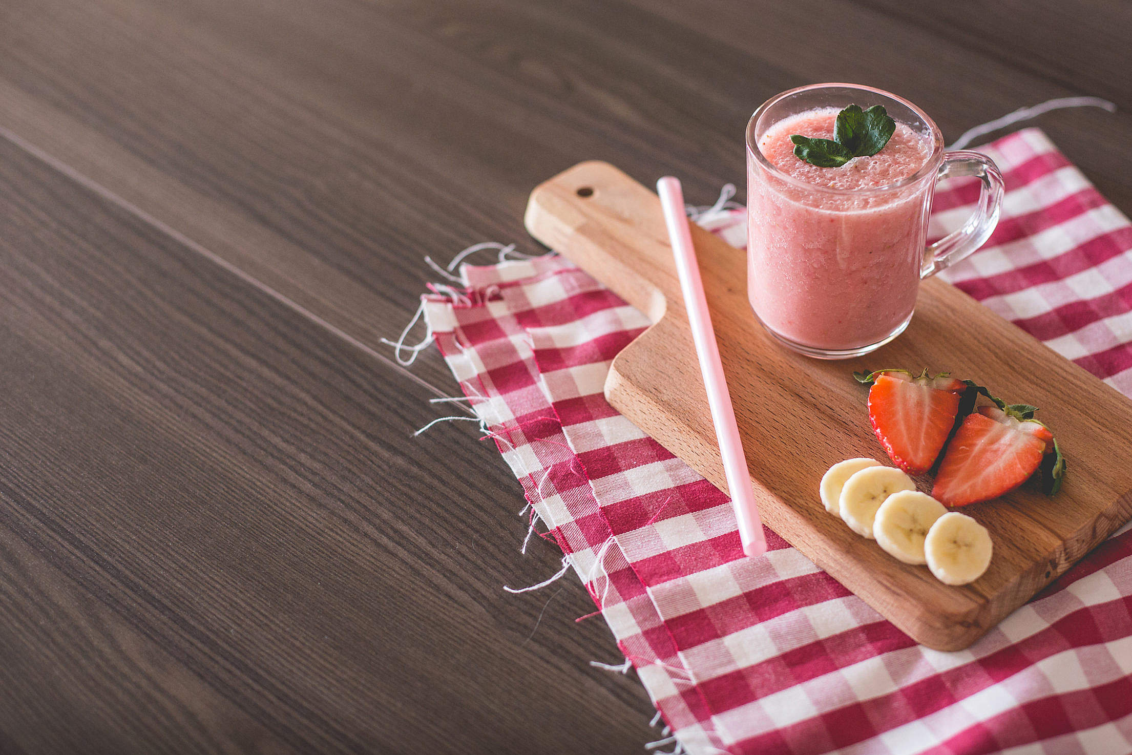 Fresh Strawberries & Bananas Smoothie Free Stock Photo