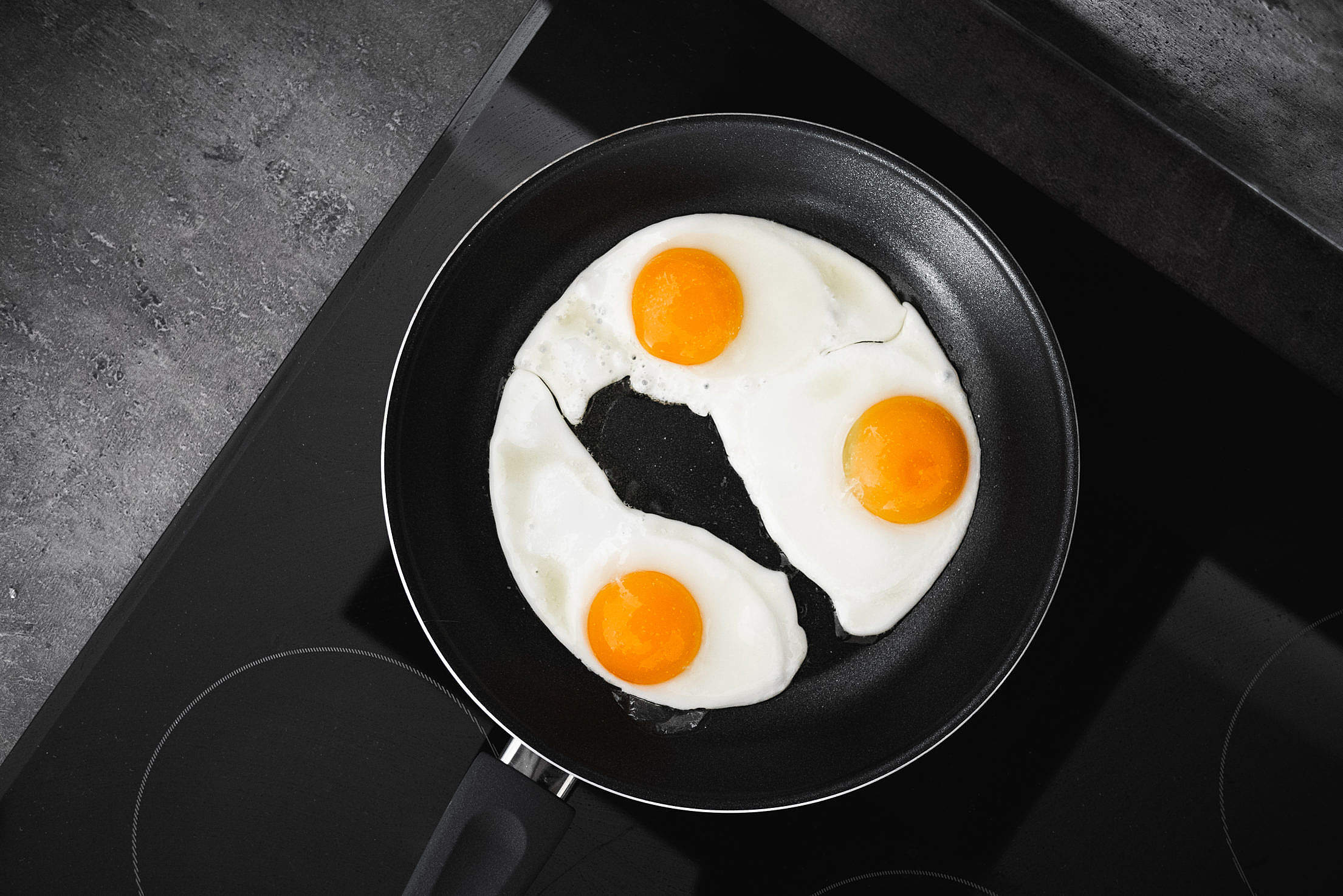 Fried Eggs Free Stock Photo