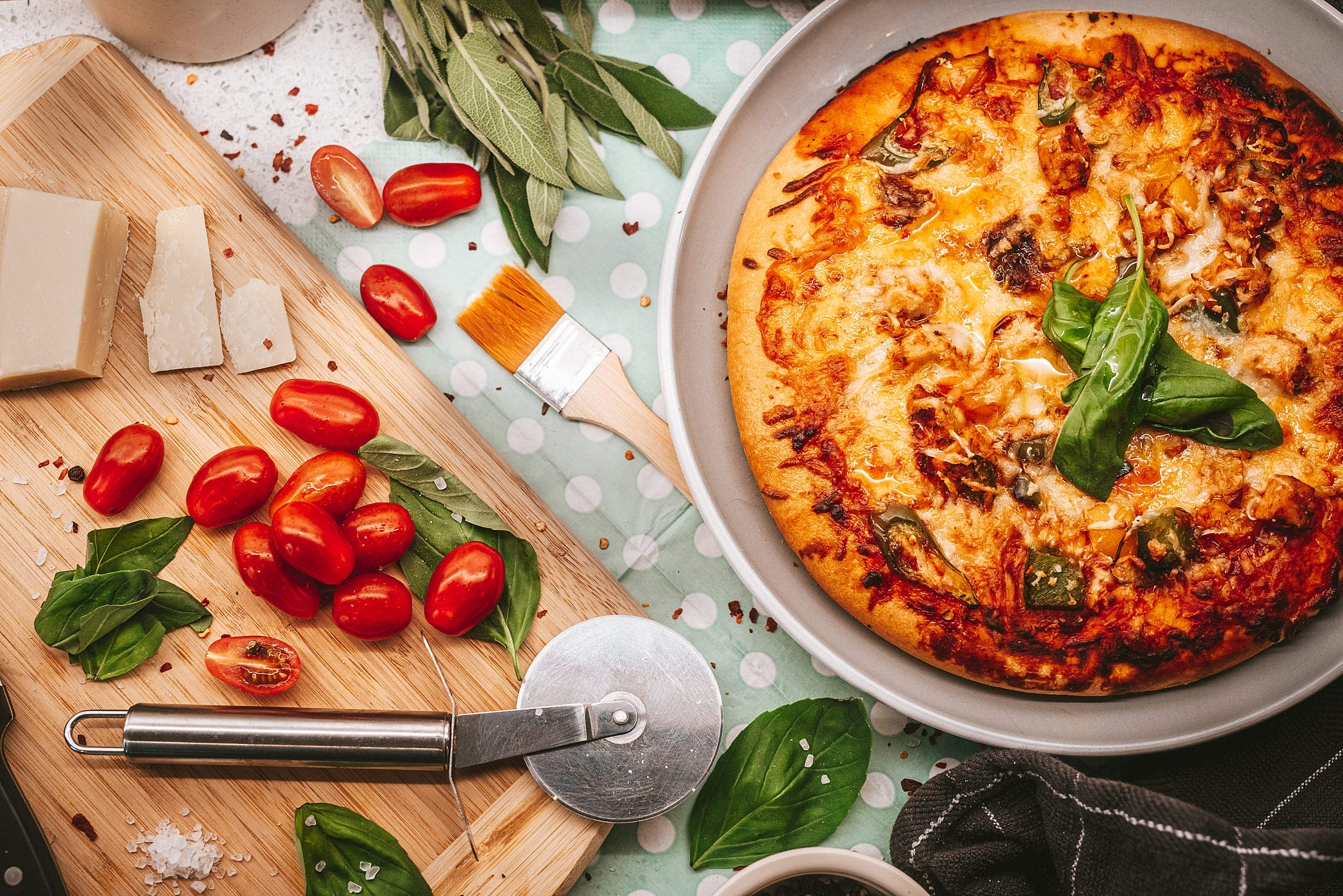 Homemade Pizza with Quality Ingredients Free Stock Photo