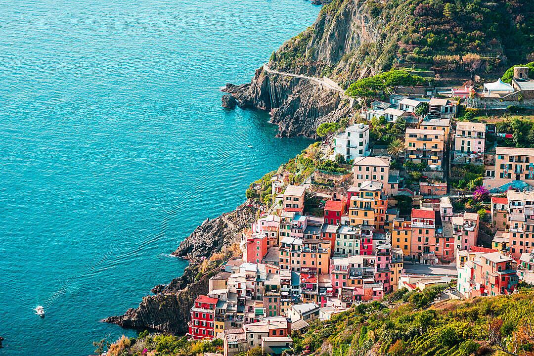 Download Houses in Riomaggiore, Cinque Terre, Italy FREE Stock Photo
