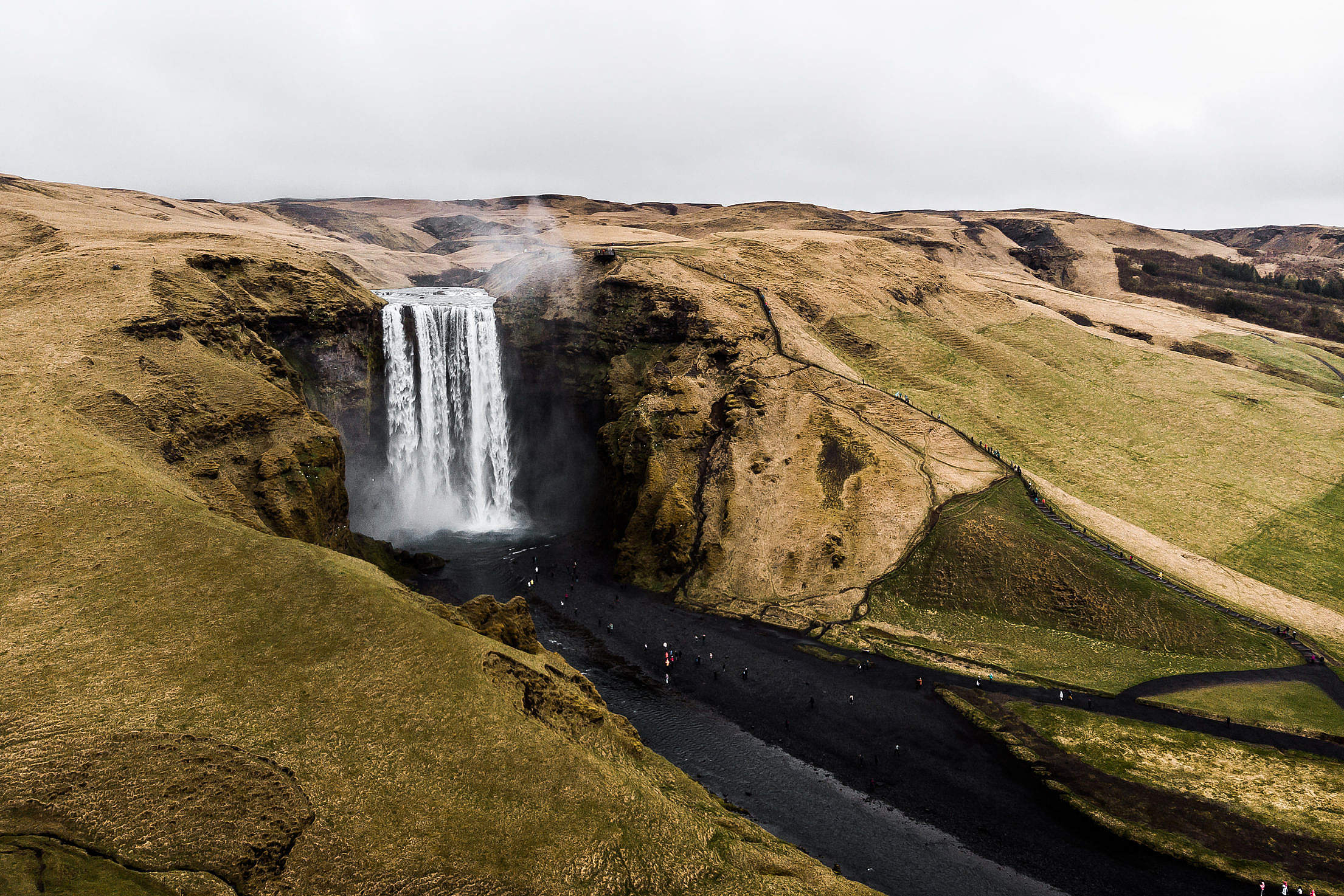 Iceland Waterfall Skógafoss Free Stock Photo