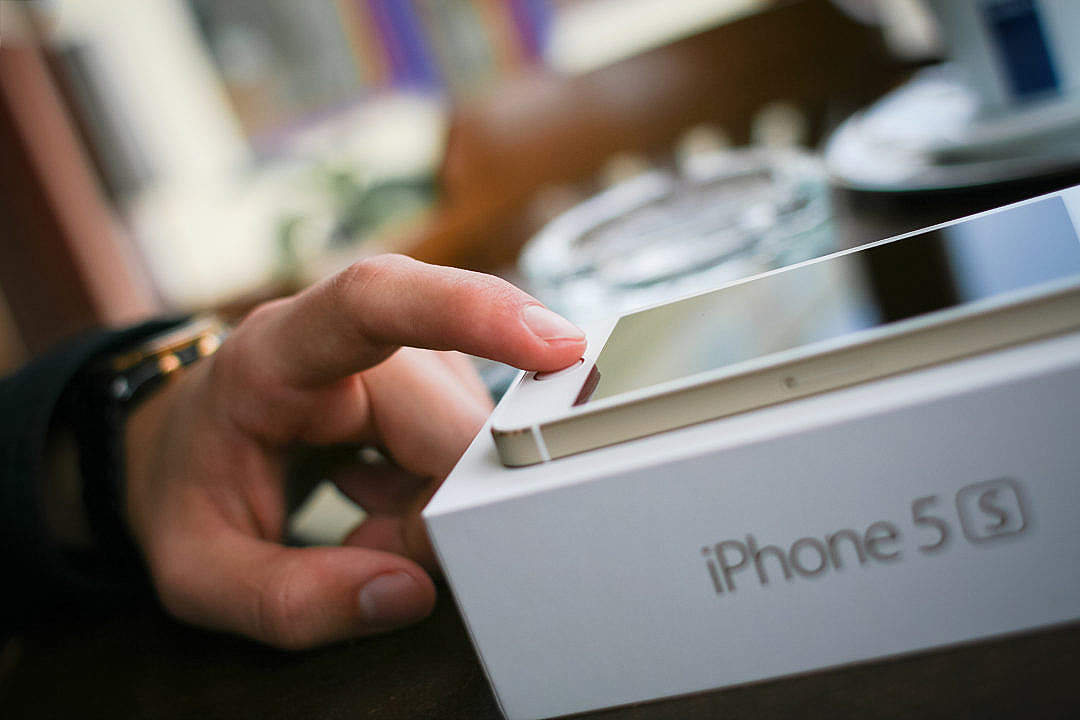 Download iPhone 5S Touch ID FREE Stock Photo