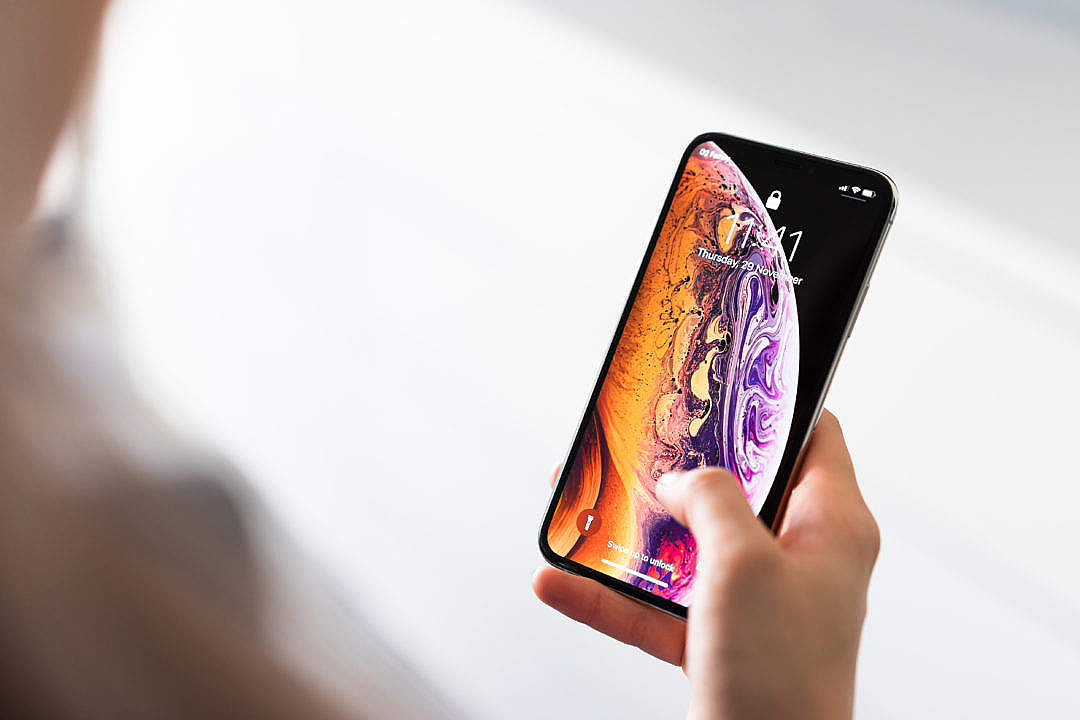 Download iPhone XS FREE Stock Photo