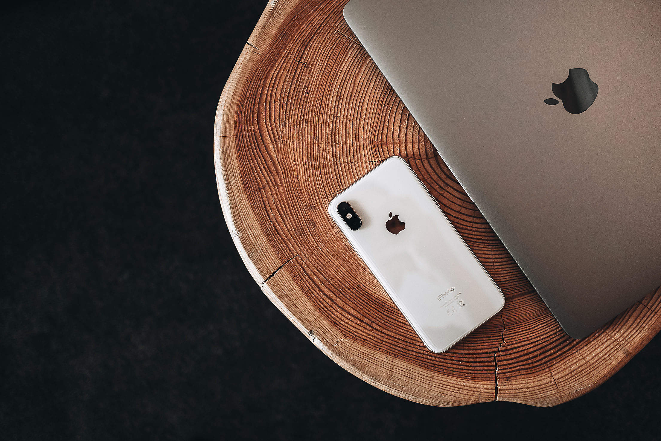 Modern & Sleek Apple Products Free Stock Photo
