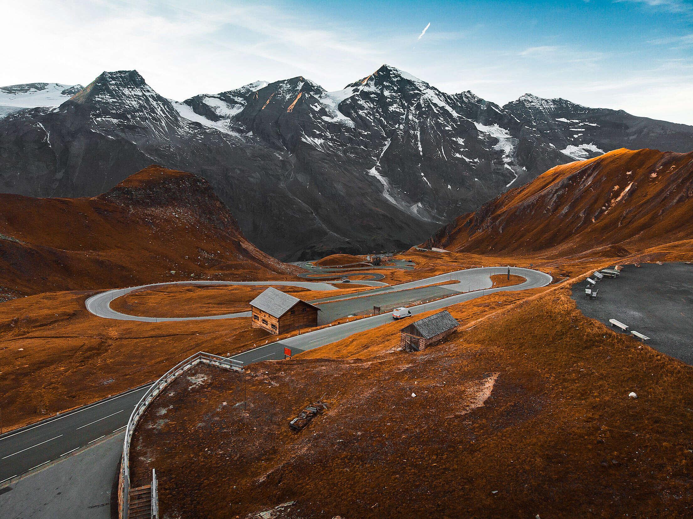 Mountain Roads in Autumn Free Stock Photo