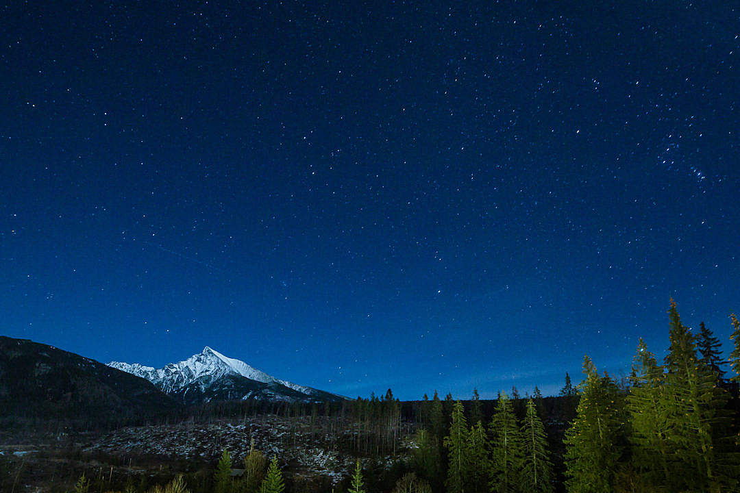 Download Mountain With Night Sky Full of Stars FREE Stock Photo