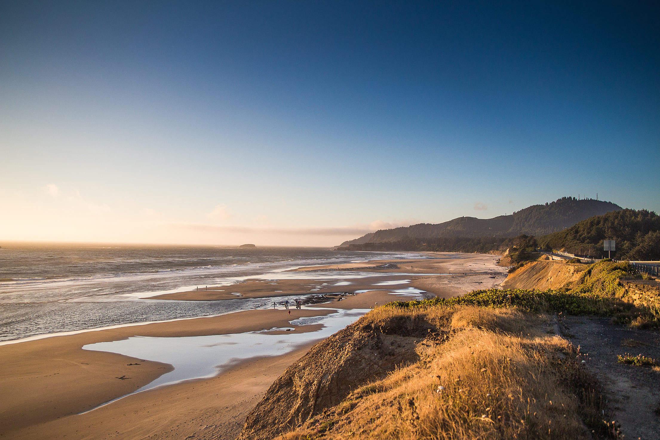 Ocean Coastline in Oregon Free Stock Photo