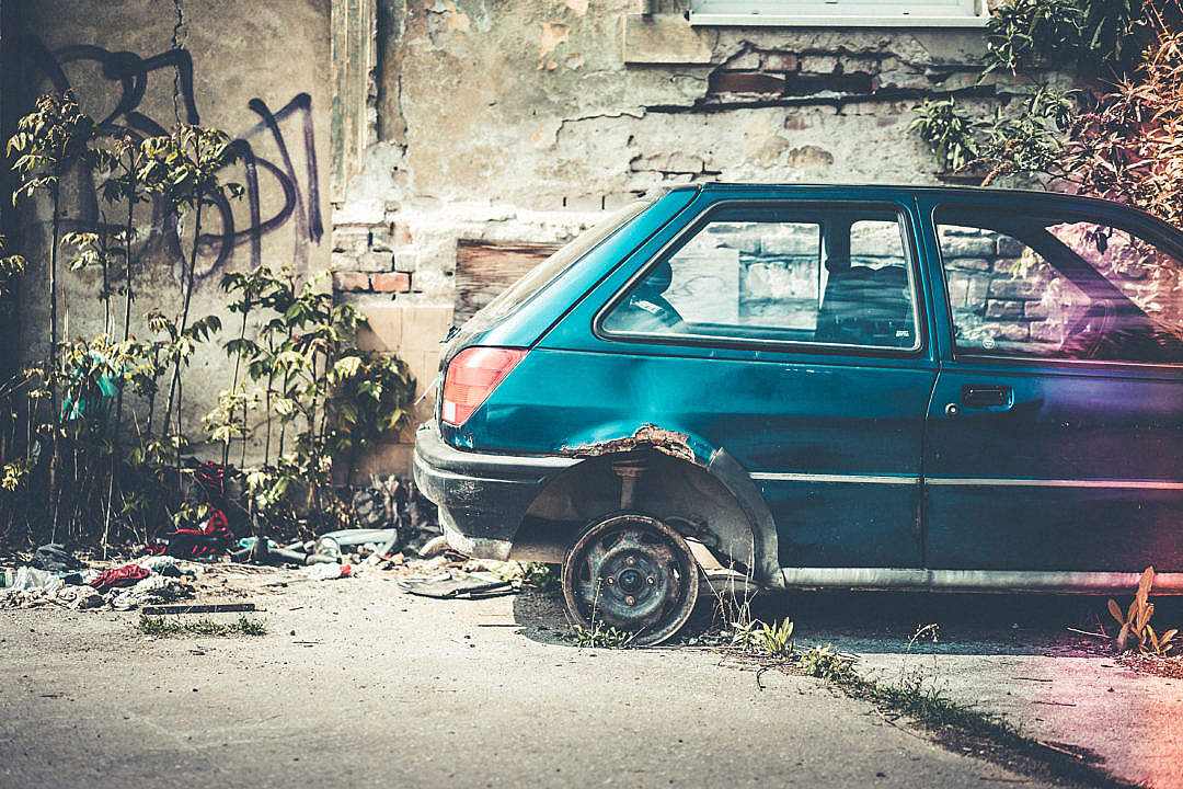Download Old Broken and Abandoned Car FREE Stock Photo
