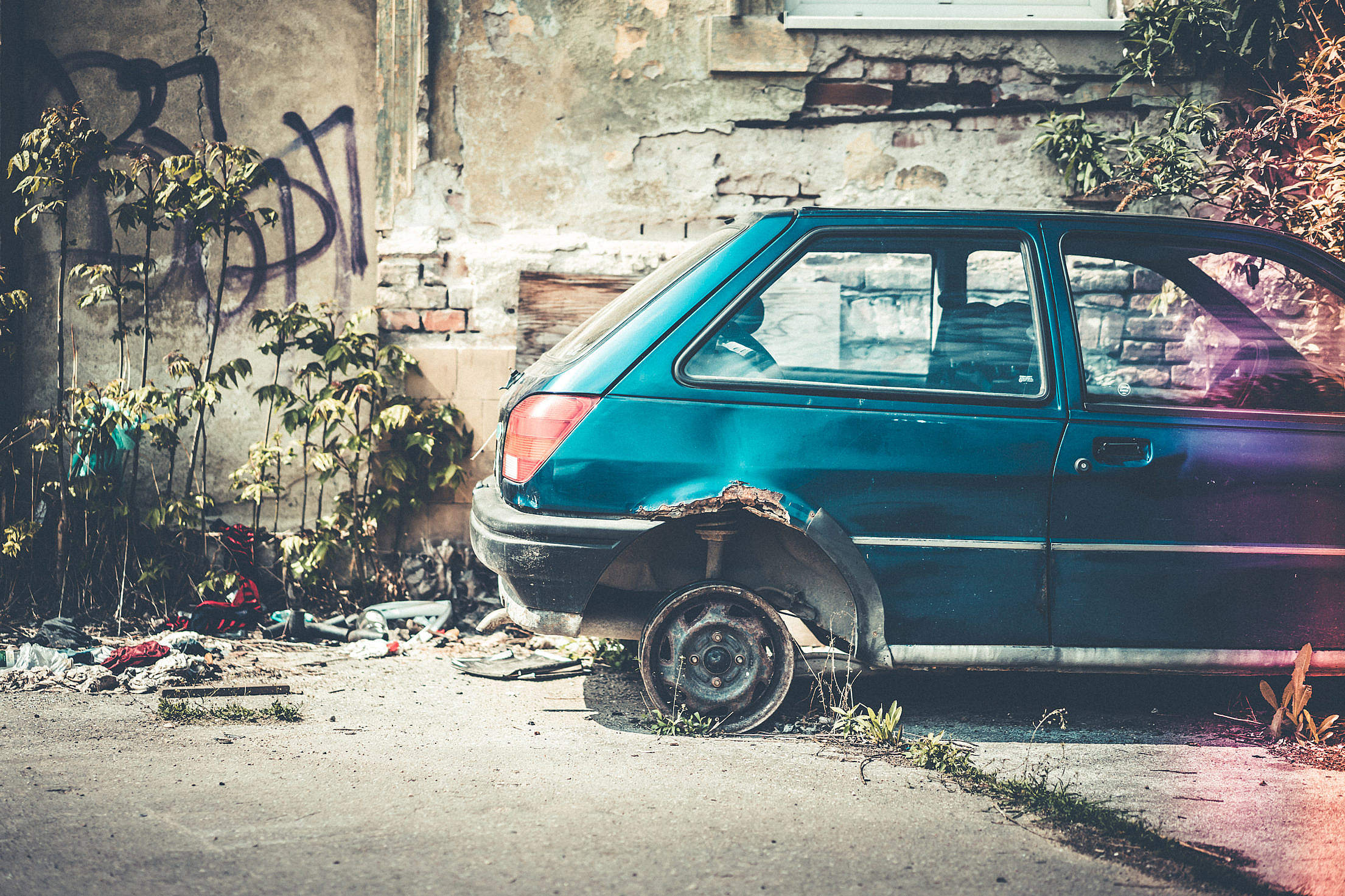 Old Broken and Abandoned Car Free Stock Photo