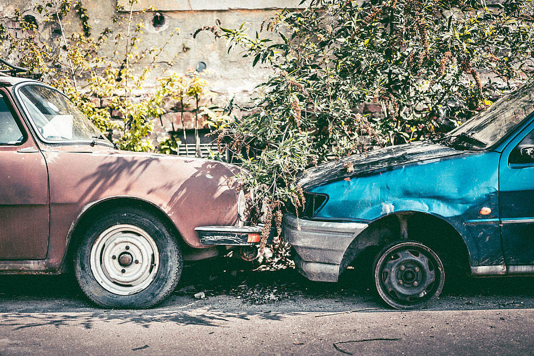 Download Old Broken Cars FREE Stock Photo