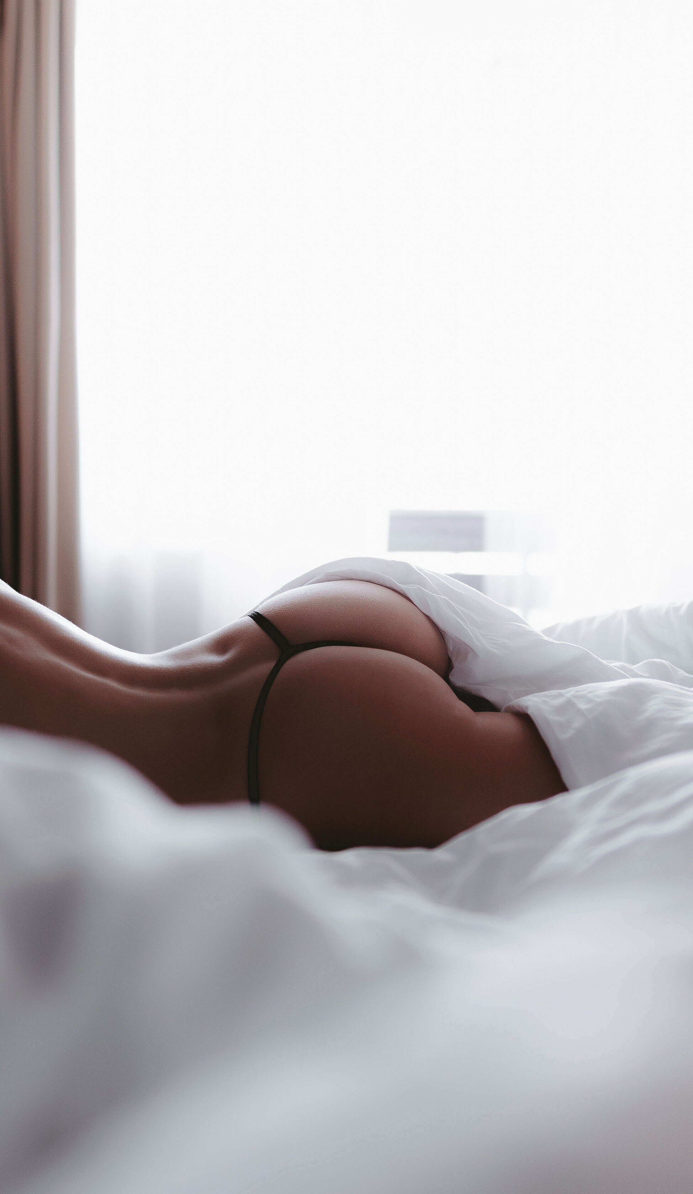 Perfect Woman Ass in Bed Sexy iPhone Wallpaper Free Stock Photo