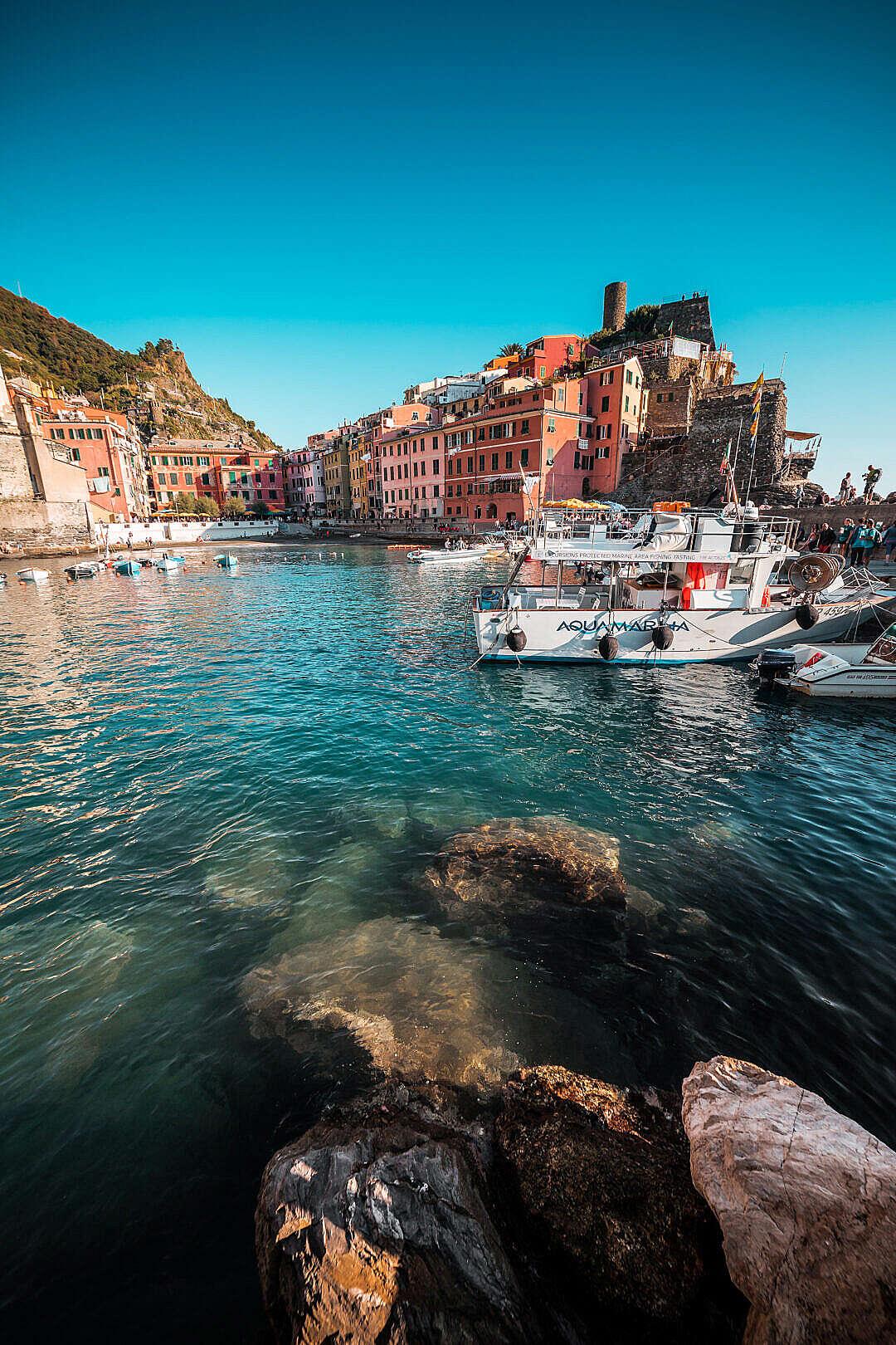 Download Port Cinque Terre FREE Stock Photo