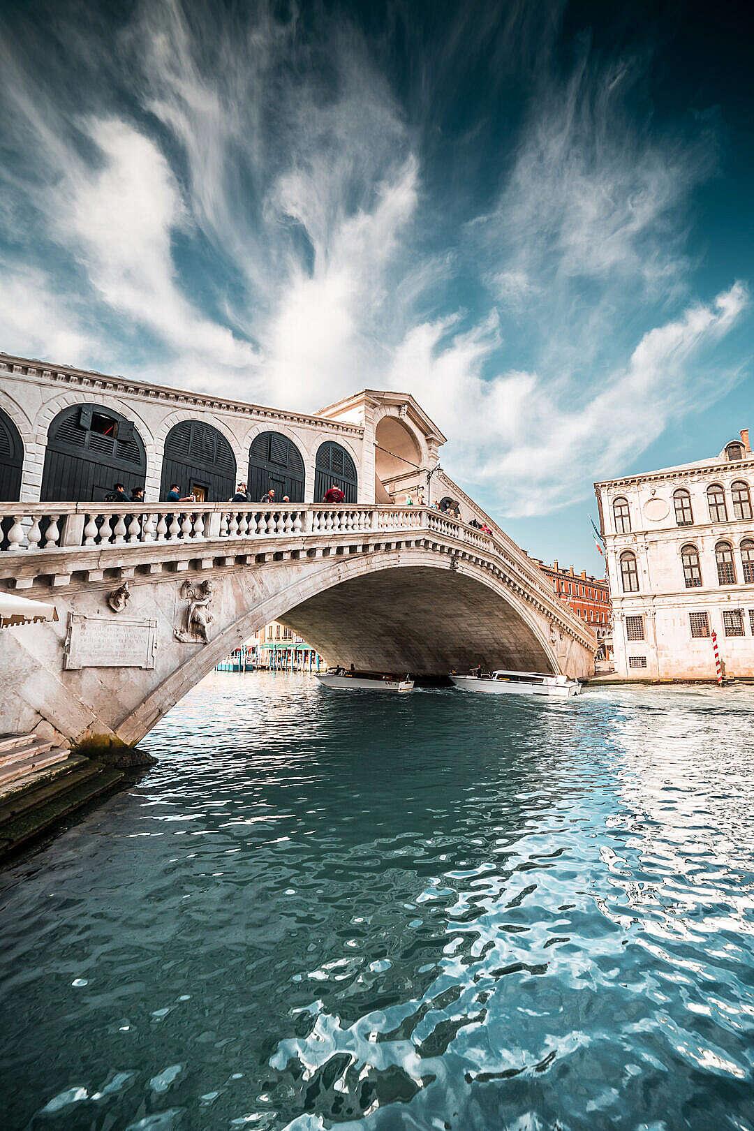 Download Rialto Bridge in Beautiful Venice, Italy FREE Stock Photo