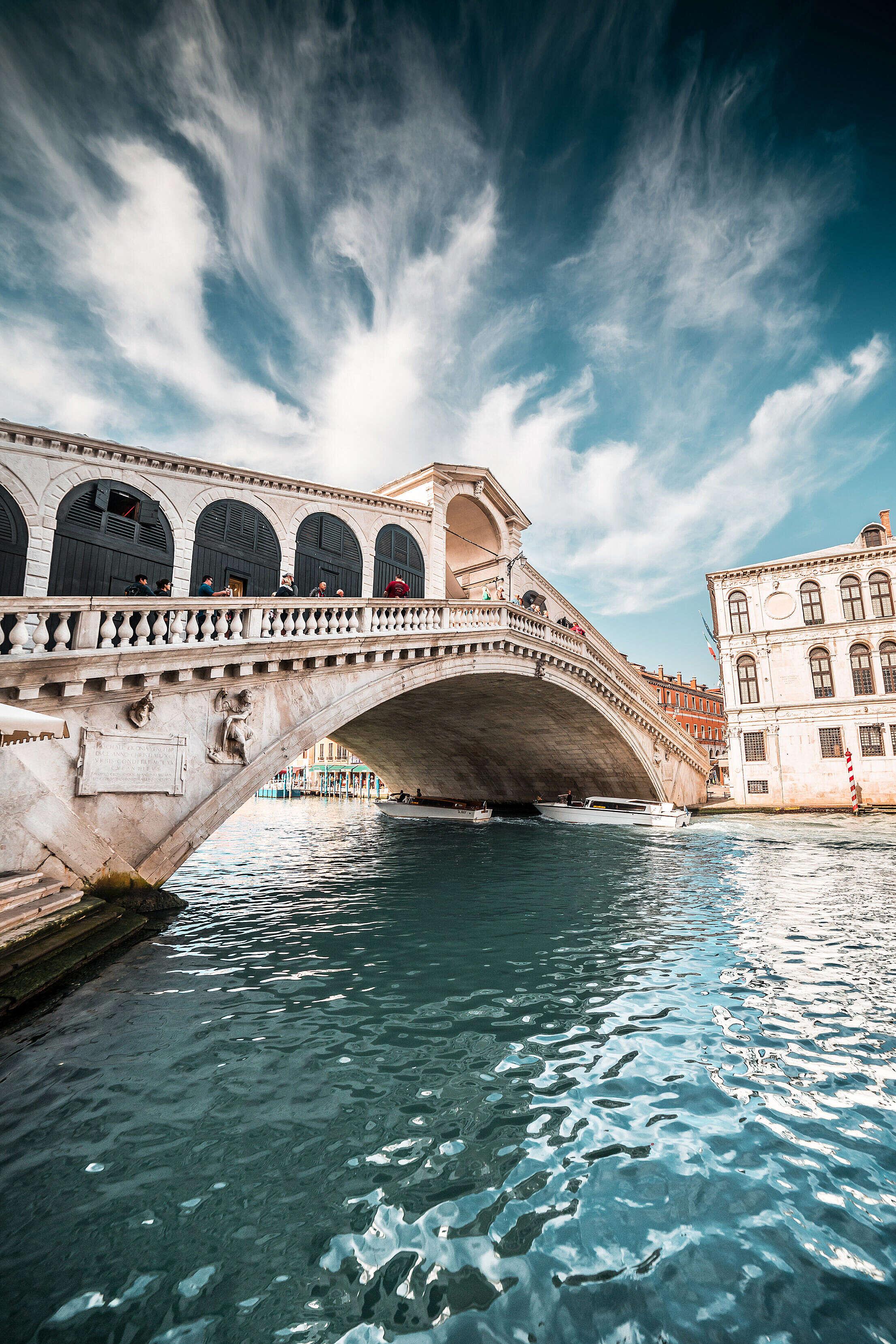 Rialto Bridge in Beautiful Venice, Italy Free Stock Photo
