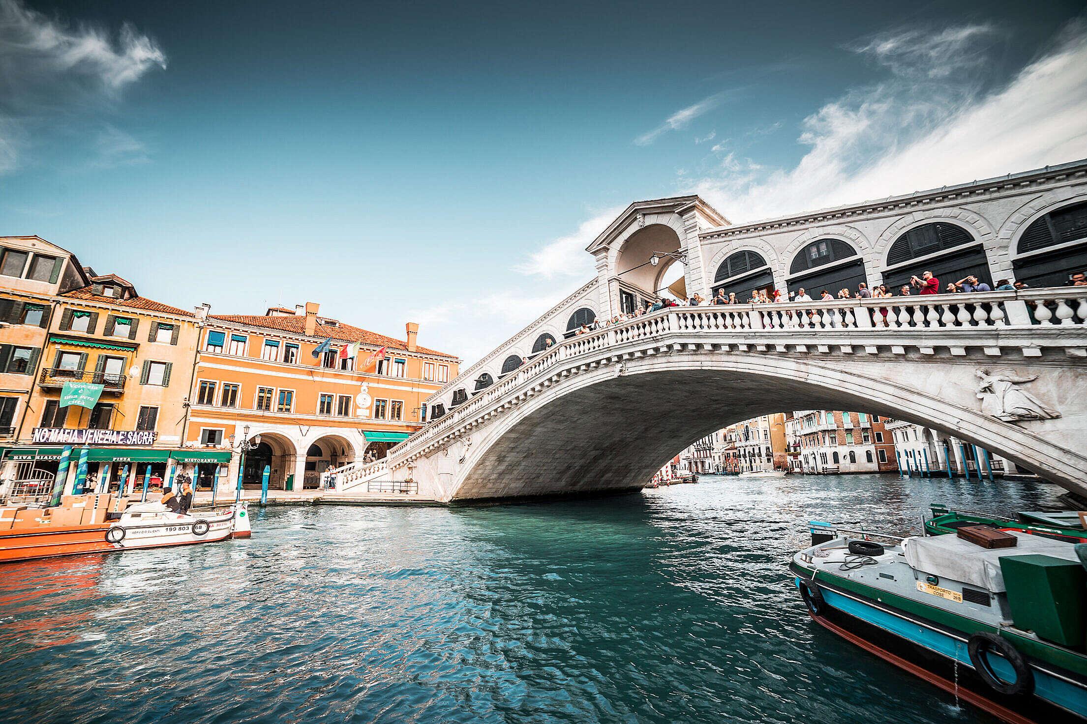 Rialto Bridge in Venice, Italy Free Stock Photo