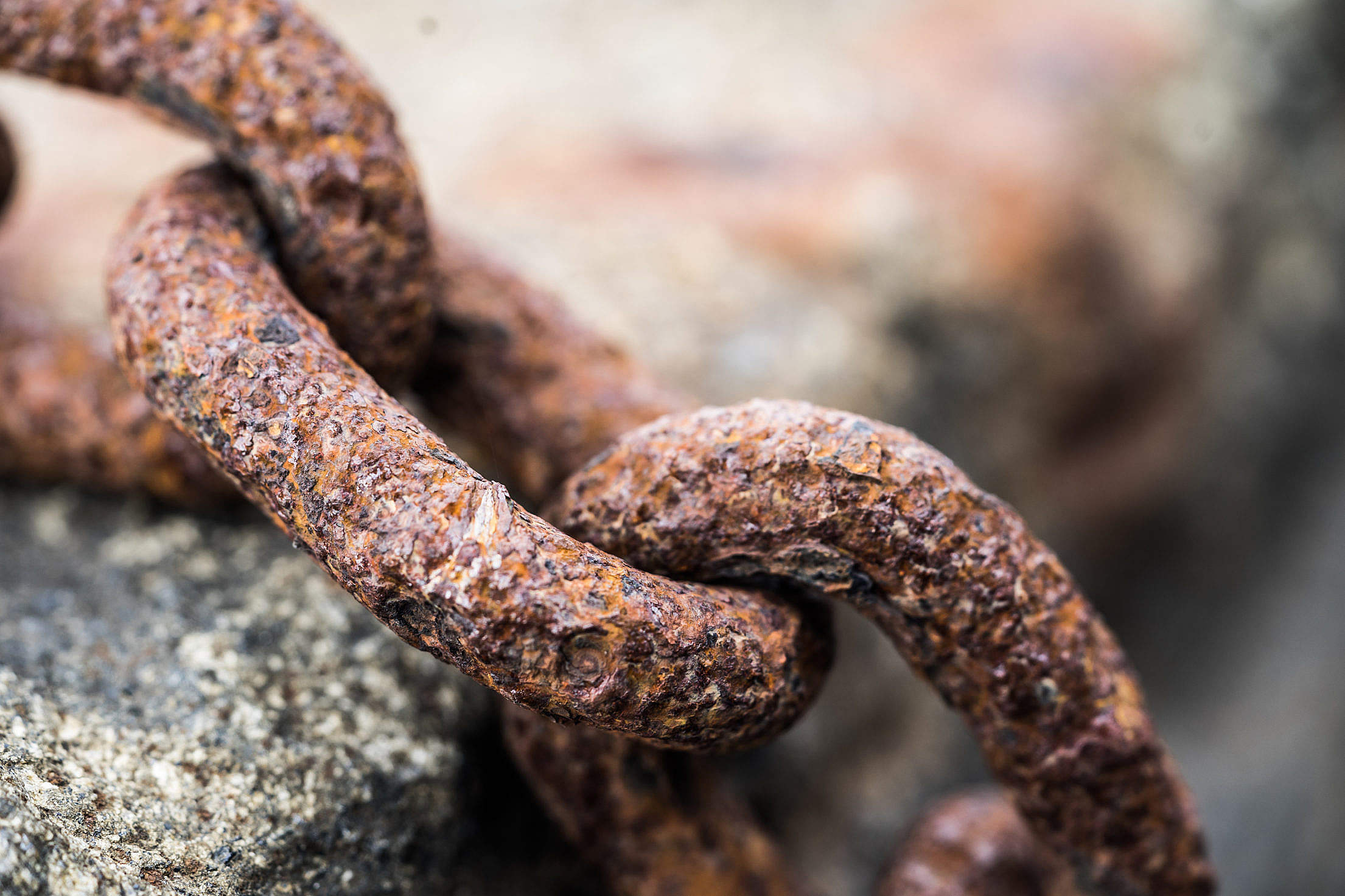 Rusty Chain Close Up Free Stock Photo