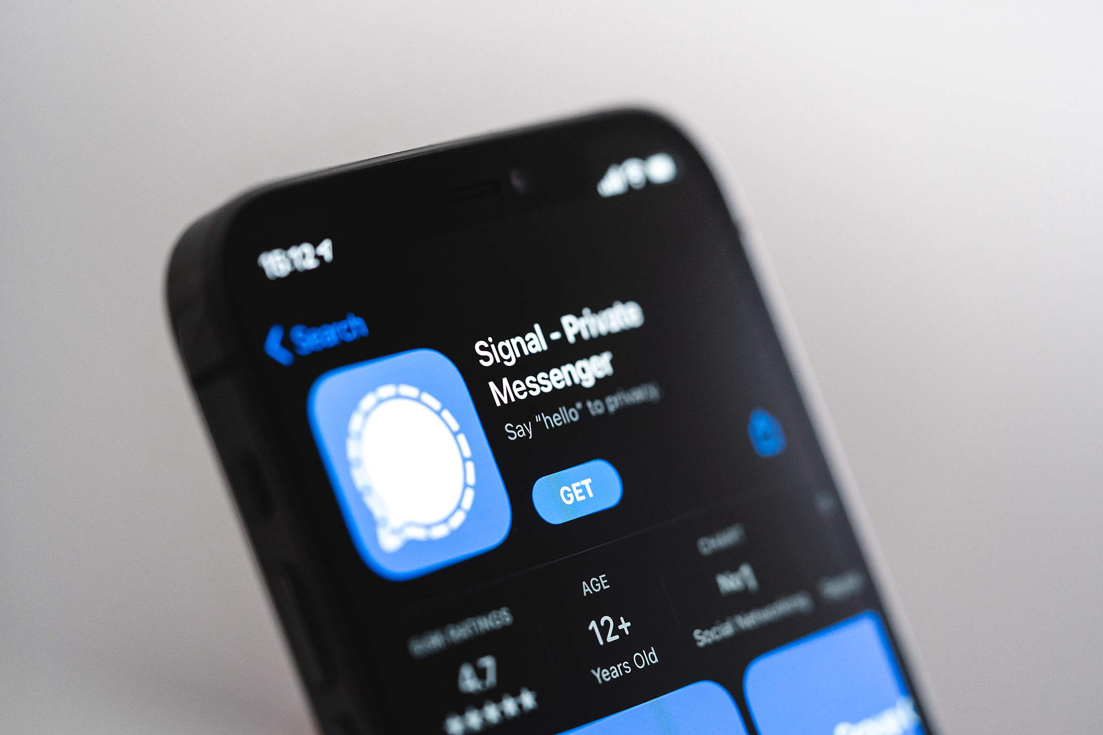 Signal – Private Messenger Application Free Stock Photo