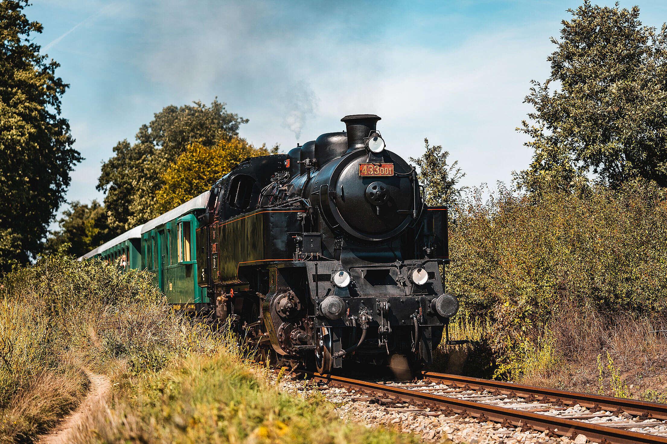 Skaličák 433.001 Old Steam Locomotive Free Stock Photo