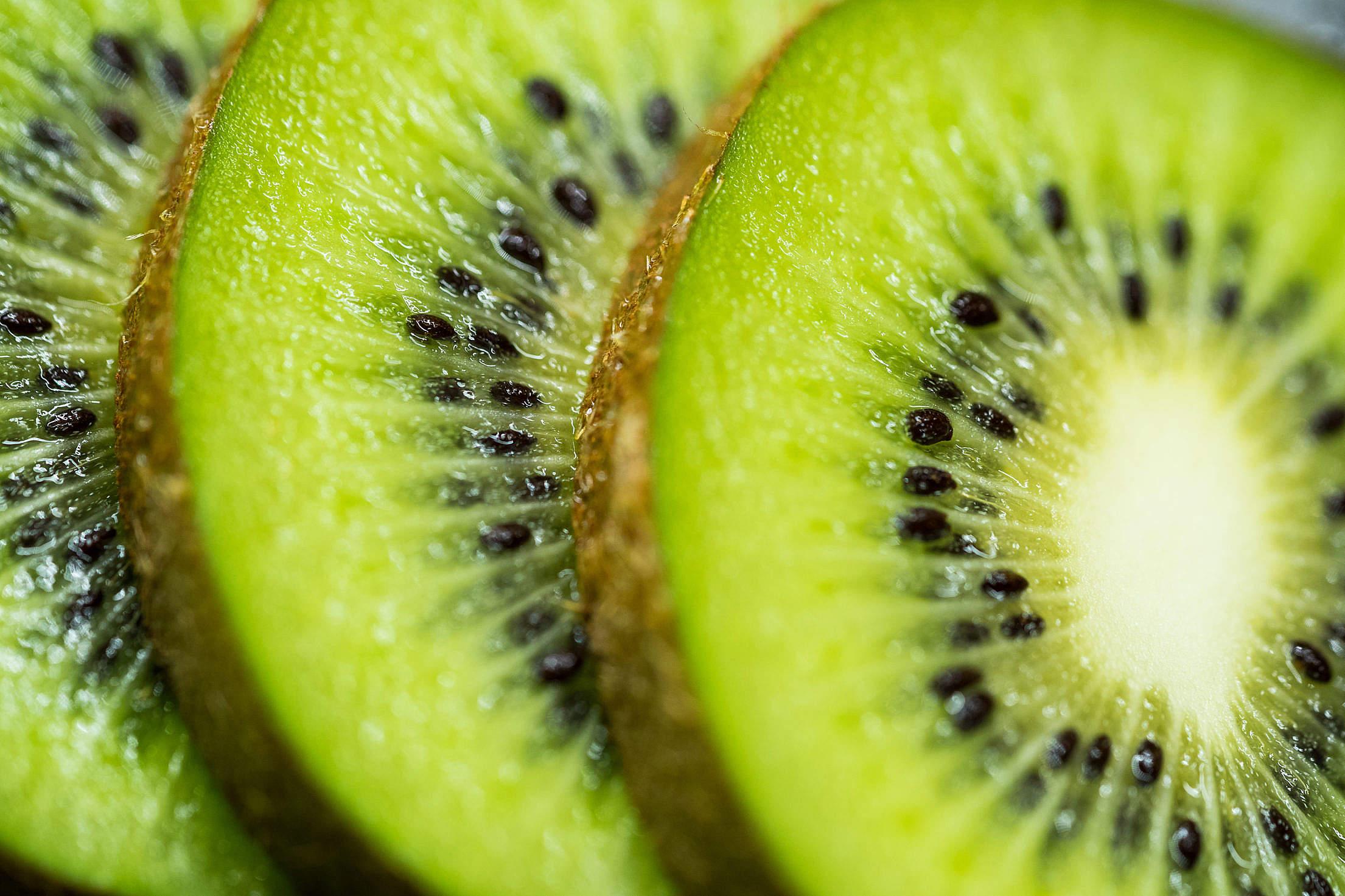 Slices of Kiwi Free Stock Photo