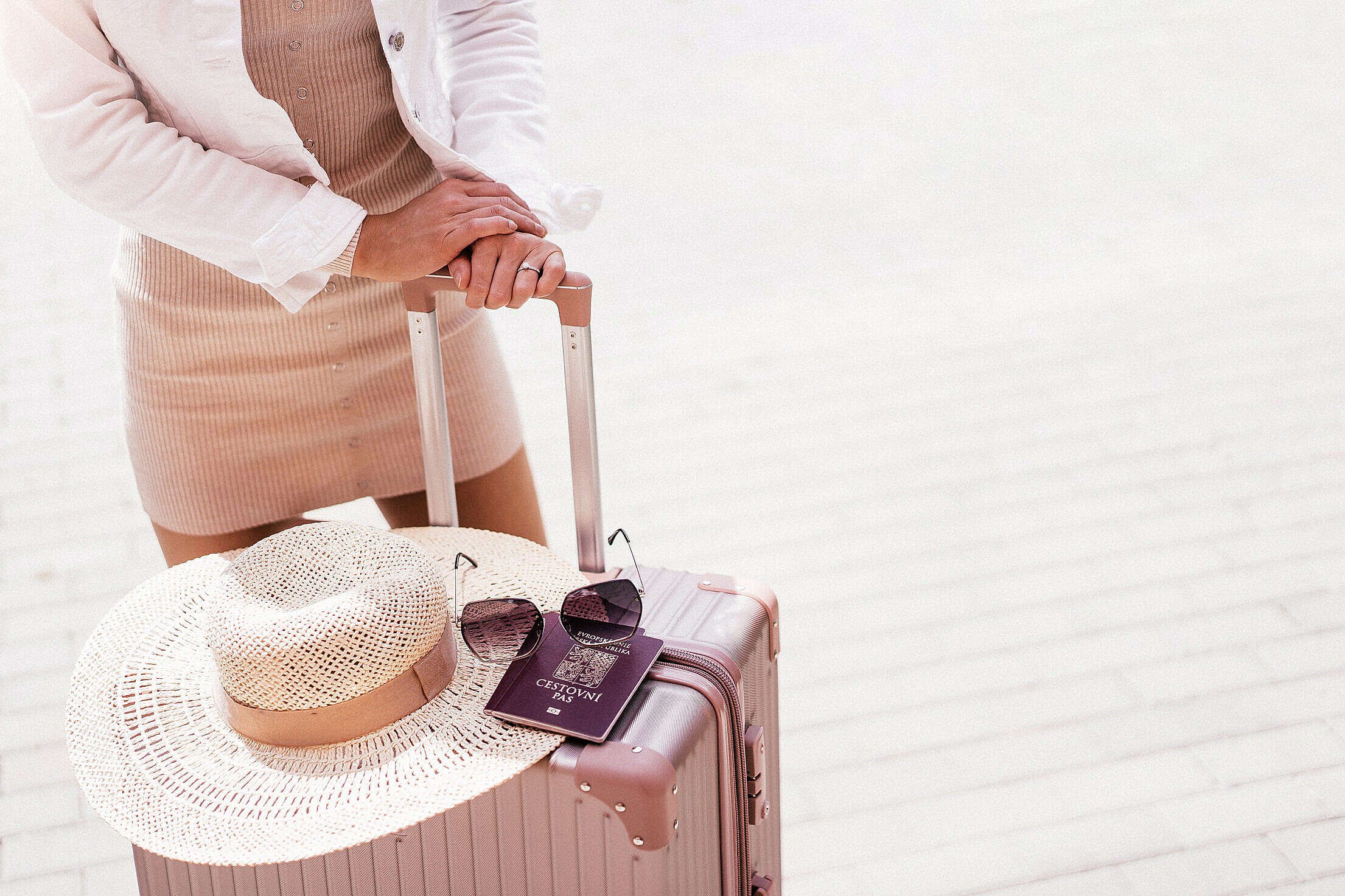 Solo Travel Woman Ready for Traveling Free Stock Photo