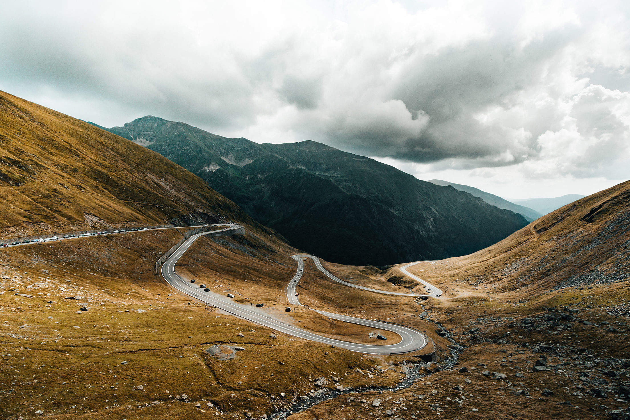Transfagarasan Road Valley Between the Mountains Free Stock Photo