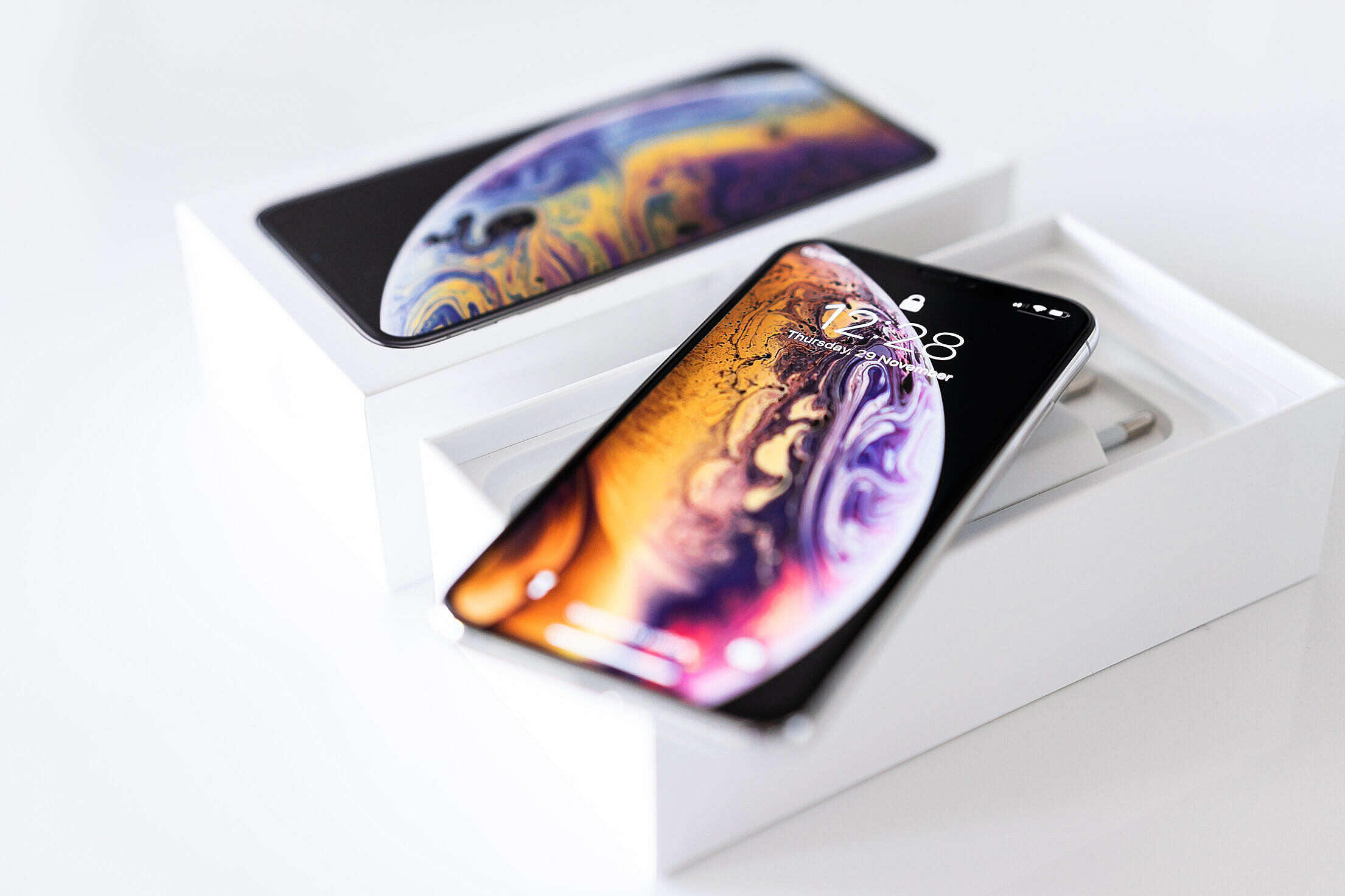Unboxing iPhone XS Free Stock Photo