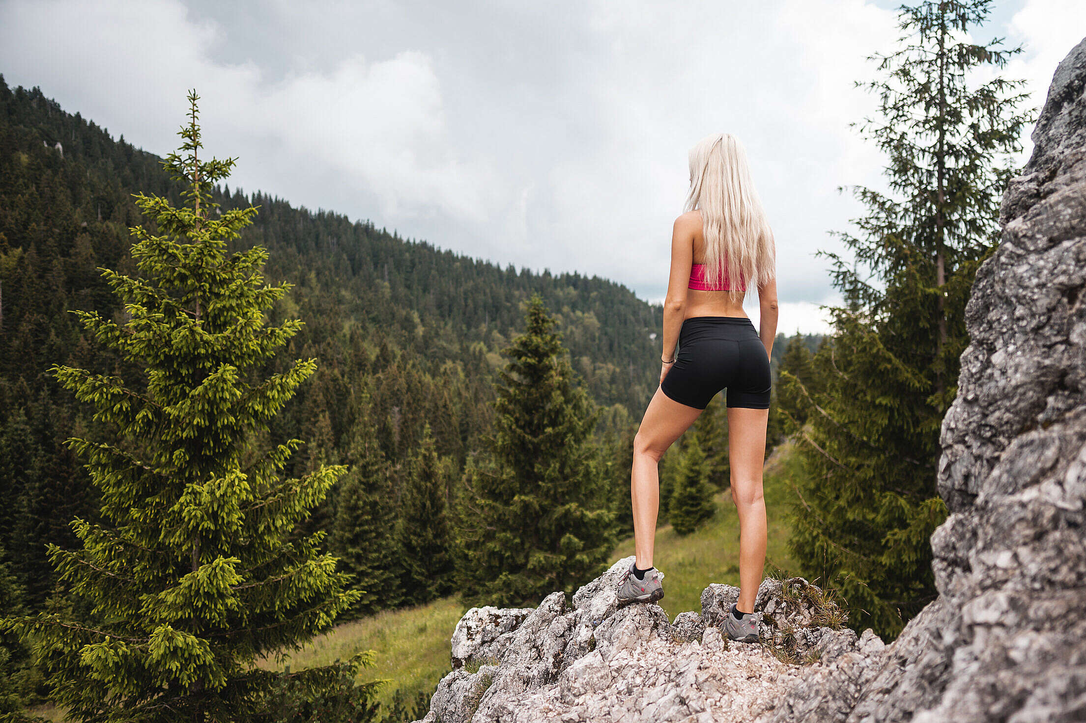 Young Fitness Woman Hiker Enjoying the View of Nature Free Stock Photo